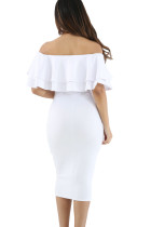 白いレイヤードフリルオフショルダーミディアムドレス