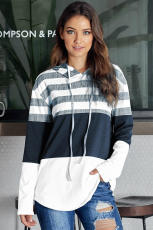 Fehér színű tömbhúzós kapucnis pulcsi