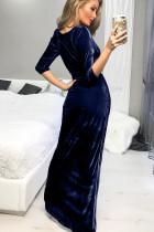 Kék, mély nyakú, oldalsó hasított félbársony ruha