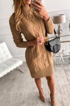 Hnědý vysoký krk texturou svetr šaty
