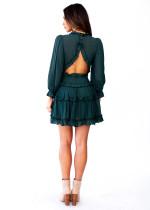 Πράσινο λαιμόκομμα V με λεπτομέρεια ανοιχτό πίσω φόρεμα