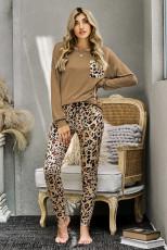 Ensemble de tenue de détente de pantalon léopard à manches longues marron