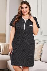 Fekete V-nyakú gomb Pöttyös rövid ujjú, plusz méretű Loungewear