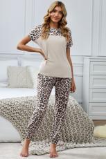 Vêtement de détente deux pièces à manches courtes et dos évidé léopard