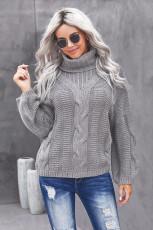 Šedý texturovaný svetr s rolákem