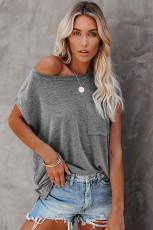 T-shirt grigia con tasche e spacchi laterali