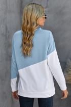 Lichtblauw patchwork sweatshirt met gedropte schouders