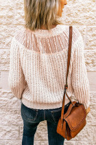 Pletený svetr s béžovým kulatým výstřihem a spojováním