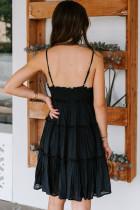 Fekete spagetti hevederek ráncos fodros mini ruha