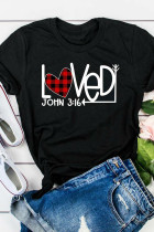 Svart Valentinsdag Plaid Heart Arrow Loved T-skjorte