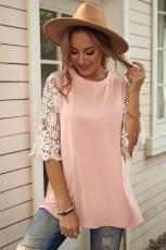 Różowa tunika z koronkowymi rękawami