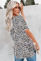 Camiseta de leopardo con bolsillo delantero y cuello en V