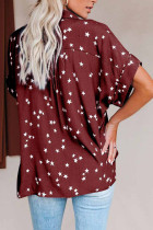 قميص بأكمام طويلة وطبعة نجوم حمراء