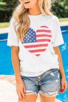 تي شيرت مطبوع عليه قلب العلم الأمريكي أبيض