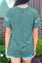 تی شرت چاپ بلوک رنگی با کراوات سبز