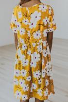 Sárga crewneck rövid ujjú zsebbel virágos lány midiruha