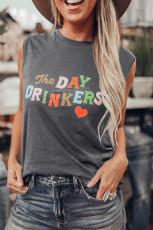 Débardeur gris imprimé lettres The DAY DRINKERS