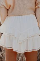 Mini-jupe blanche à volants en crochet à taille haute et à taille unie