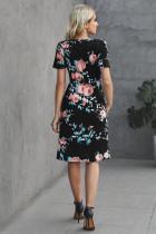 Robe florale décontractée à manches courtes avec cordon de serrage noir