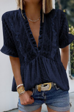 Blå rufsete V-hals Frill Hem Swiss Dot bluse