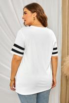 Vit T-shirt med v-ringning och ränder i sömlös storlek