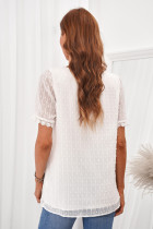 Biała koronkowa koszula w szwajcarskie kropki z dekoltem w szpic