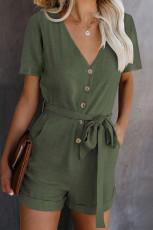 Zielony Romper z dekoltem w szpic i krótkim rękawem z paskiem i kieszeniami