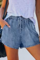 Niebieskie dżinsowe szorty z elastyczną talią i sznurkiem