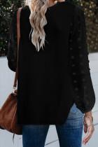 Czarna bluzka z dekoltem w szpic z długim rękawem