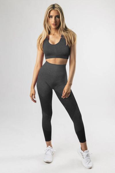 Musta Criss-rintaliivit ja korkeavyötäröiset leggingsit