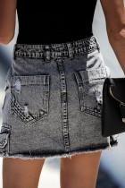 Schwarzer Denim-Minirock im Used-Look mit hoher Taille und Tasche