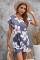 Szara sukienka mini z wycięciem w kwiaty