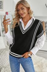 Czarny sweter z kontrastowymi paskami z dekoltem w szpic i krótkim rękawem