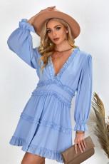 Sky Blue V-Ausschnitt Rüschen Detailing Open Back Kleid