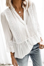 Bílé krajkové tričko s výstřihem do 3/4 rukávu a výstřihem do V