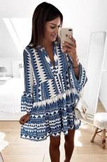 Mavi Geometrik Desenli V Yaka Flare Yarım Kol Fırfırlı Salıncak Mini Elbise
