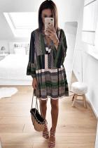 Yeşil Geometrik Baskı V yaka Flare Yarım Kol Fırfır Salıncak Mini Elbise