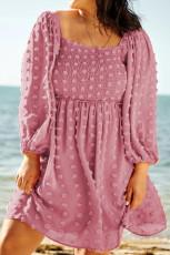 Rosa Swiss Dot Kleid mit gesmokten Puffärmeln in Übergröße