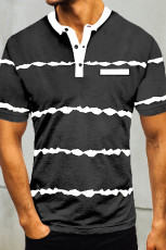 Musta raidallinen napillinen miesten t-paita