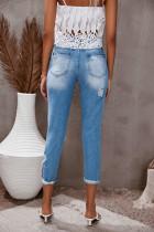 Jasnoniebieskie sprane dżinsy z prostymi nogawkami