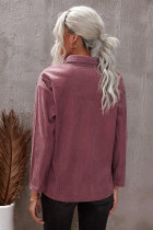 Ruskea taskutettu napitettu kuvioitu takki