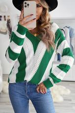 グリーンストライプカラーブロックVネックニットセーター