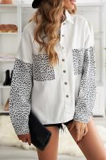 Valkoinen kontrasti Leopard-farkkutakki
