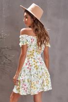 Gul fluffig axelblommig klänning