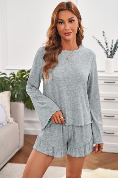Bell Sleeve Top ja röyhelö shortsit Lounge -puku