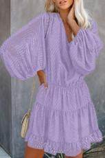 Μωβ κυματιστές λωρίδες με υφή μπαλονιού με μανίκια και κλιμακωτό φόρεμα