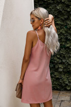 Rosa geknöpftes Slip-Kleid