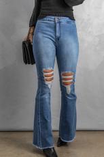 Himmelblaue Flare-Jeans mit hohem Bund und offenem Saum mit Knöpfen und Rissen