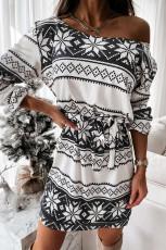 Mini abito a maniche lunghe con lacci con stampa motivo natalizio bianco