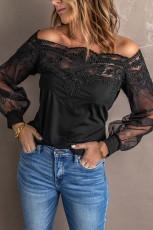 Blusa preta de manga comprida com renda transparente